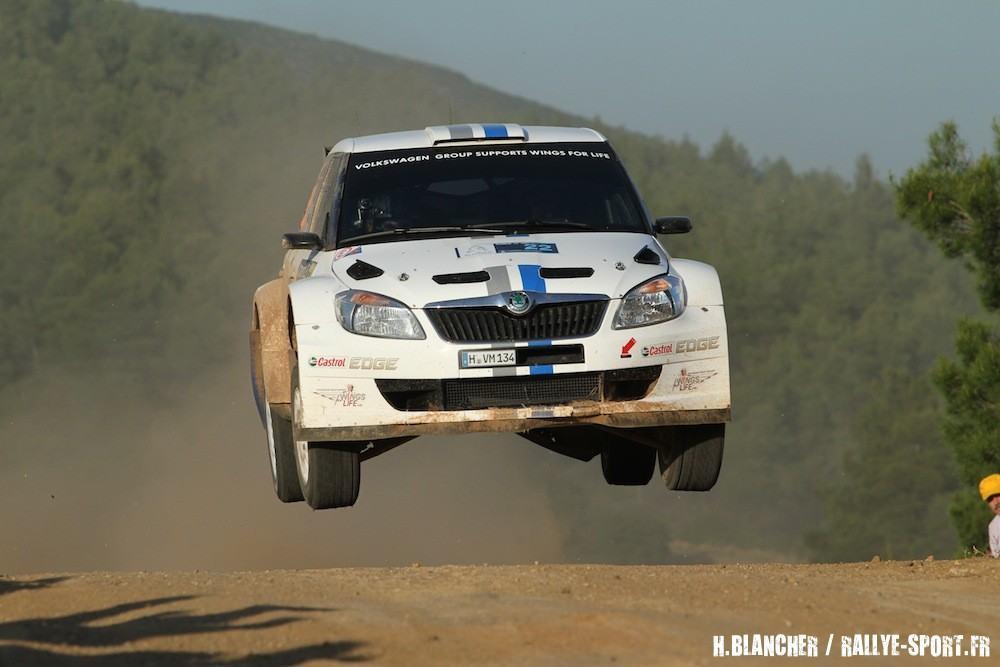 Un-rallye-de-survie-pour-Mikkelsen