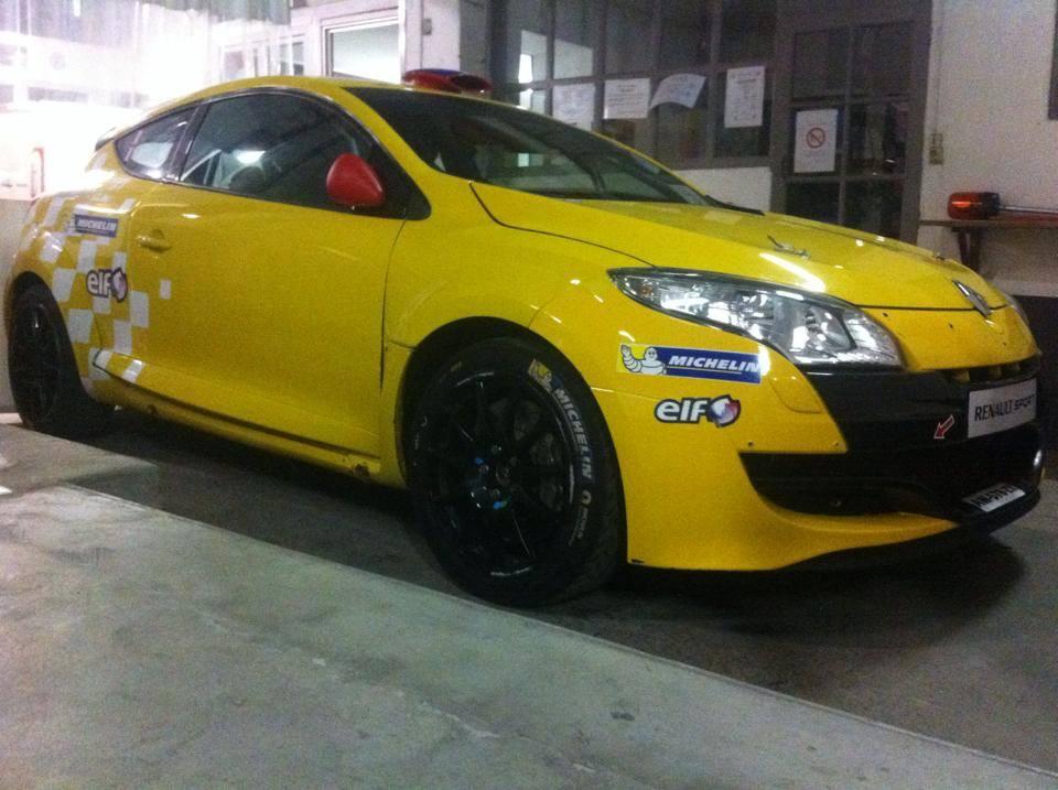Challenge-Renault-Sport-pour-les-Cosson