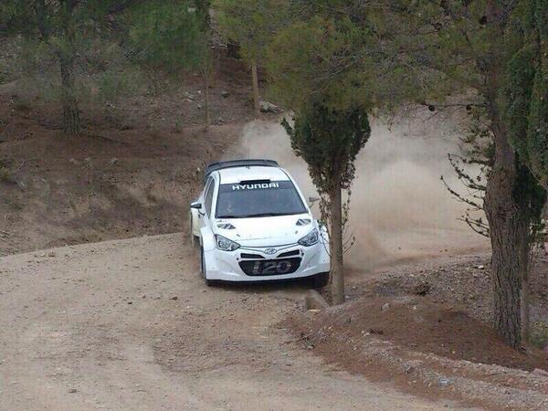 http://www.rallye-sport.fr/wp-content/uploads/2014/02/Hyundai-2-test-Mexique.jpg