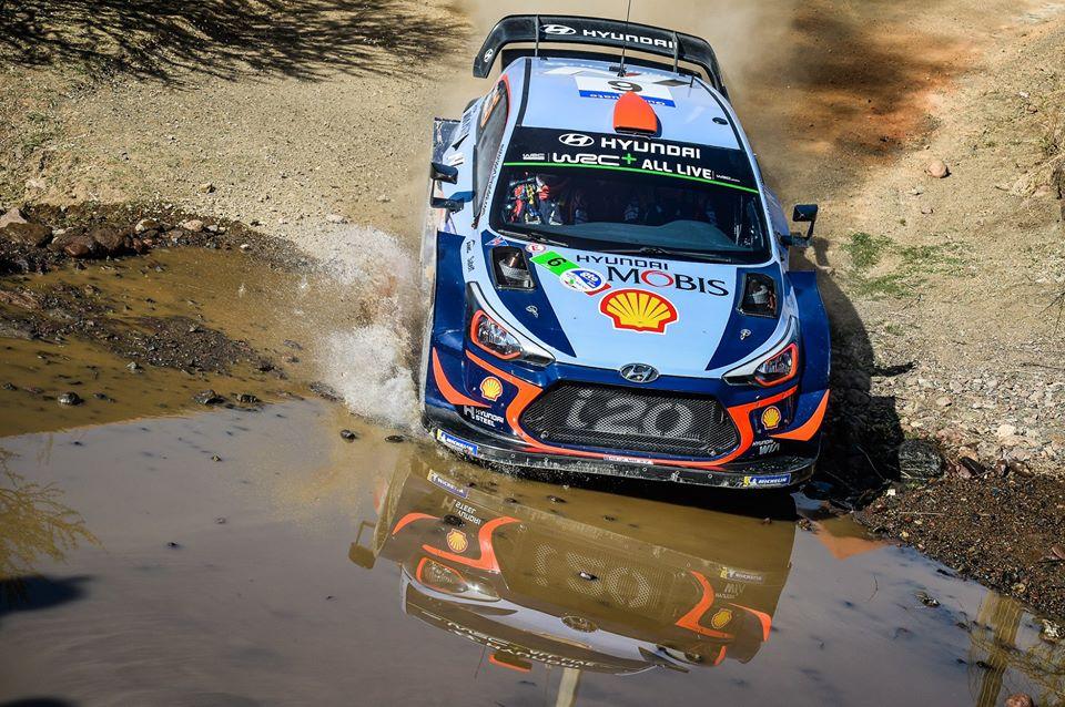 Rallye du Mexique : Loeb derrière Sordo après deux journées