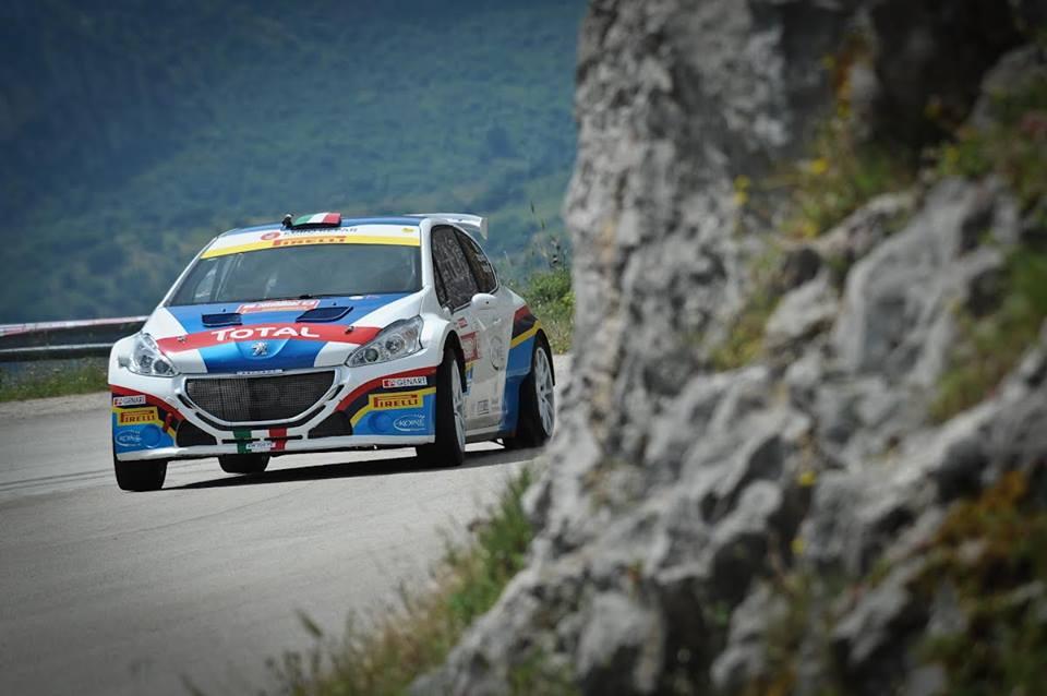 Nouveau-titre-Andreucci-Peugeot-Sport