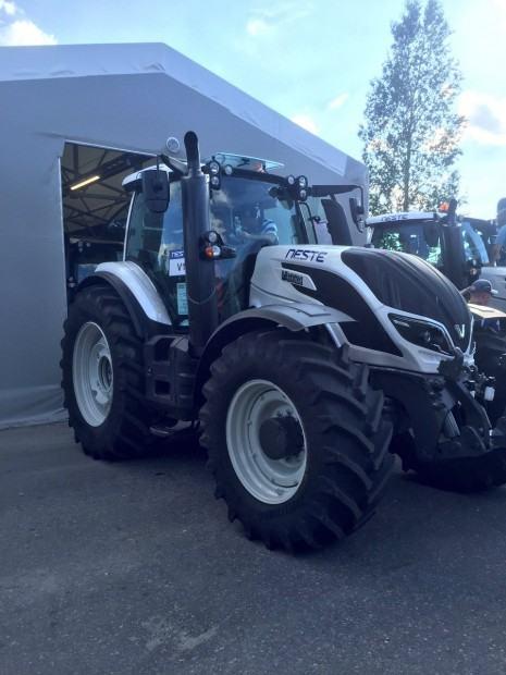 Tracteur Valtra Finlande 2016