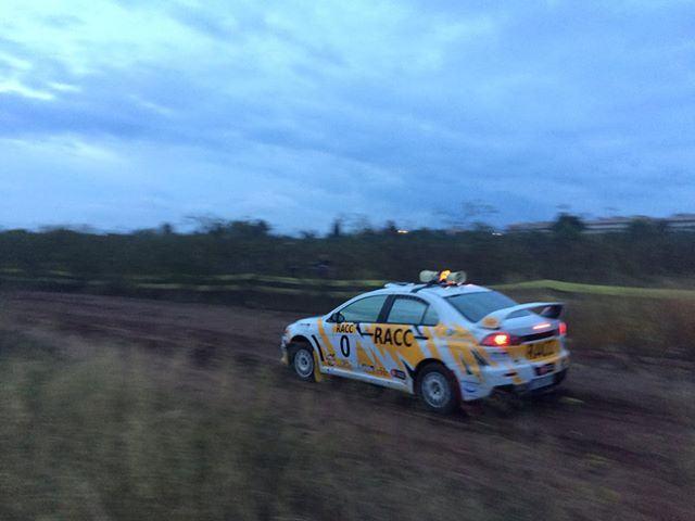 Voiture Ouvreuse avant le passage des WRC