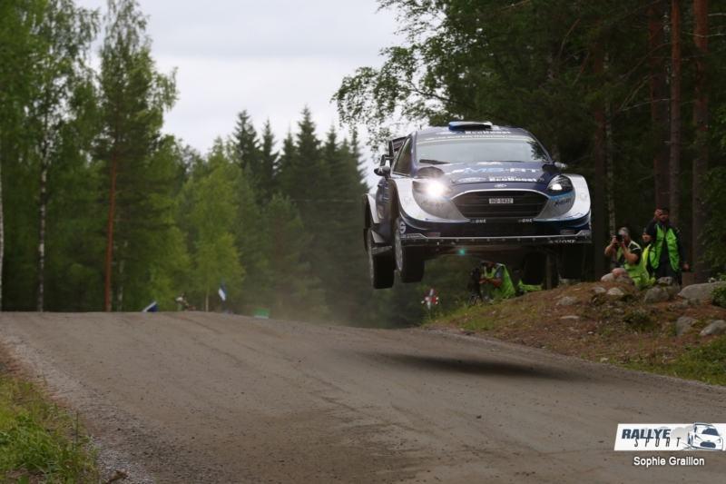 Tänak (Ford) en tête après la spéciale d'ouverture — Rallye de Finlande