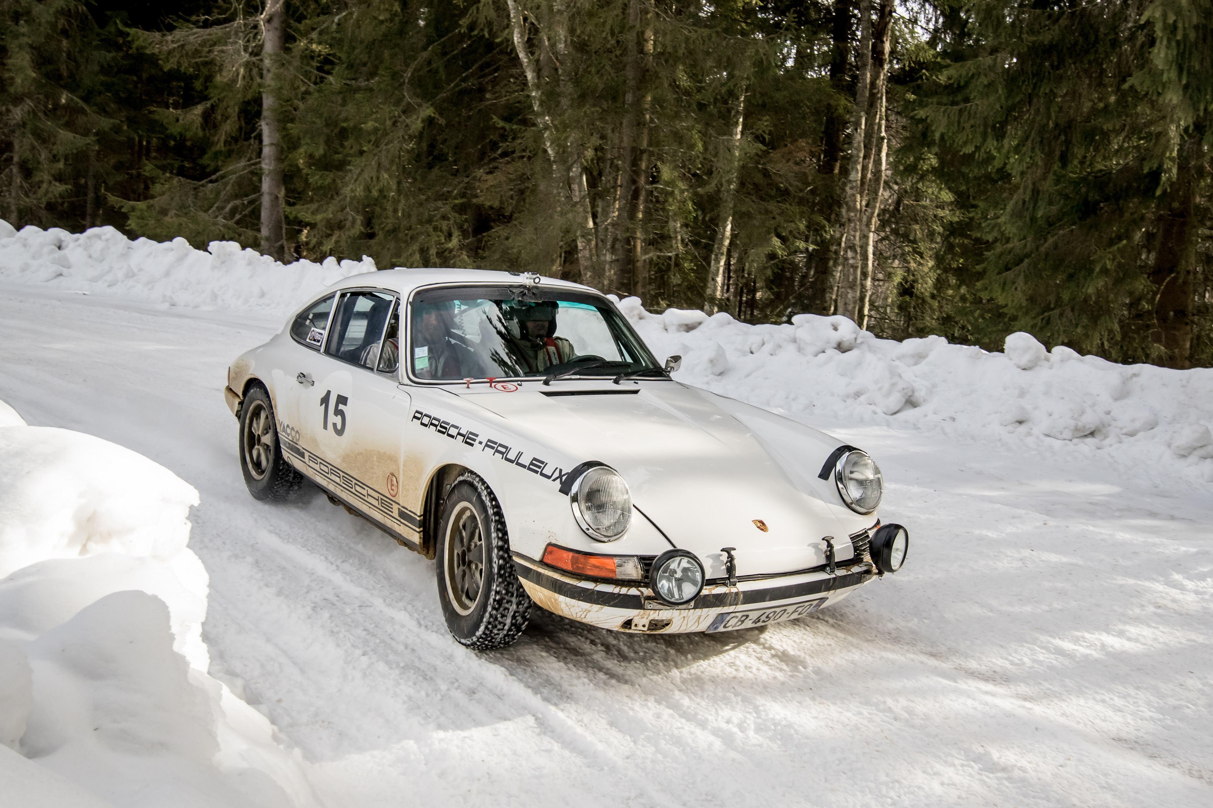 """Résultat de recherche d'images pour """"winter porsche classic"""""""