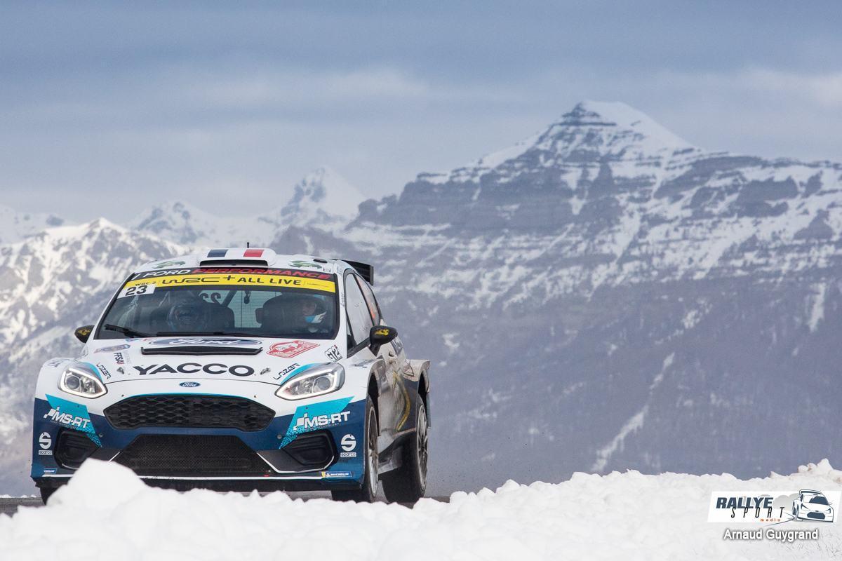 Evans à 21 km de la victoire au Rallye de Suède